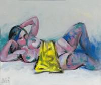 Figur mit gelbem Tuch