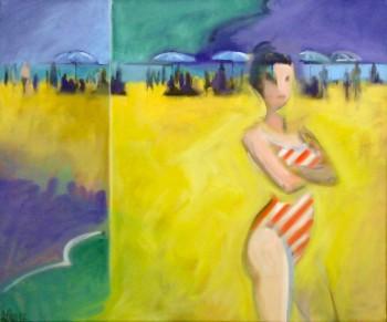Frau mit gestreiftem Badeanzug